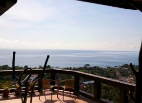 3-Bed Hillside Property in Lamai