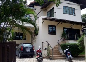 3 Bed House in Bangrak