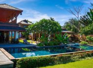 5-Bed Luxury Beachfront Villa Rental