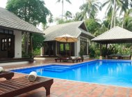 Luxury 4-Bed Beach Villa, Laem Sor