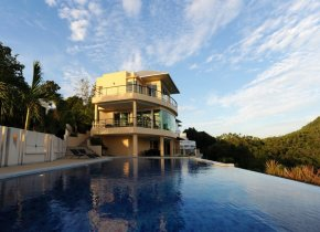 Luxury 5-Bedroom Seaview Villa in Idyllic Laem Yai