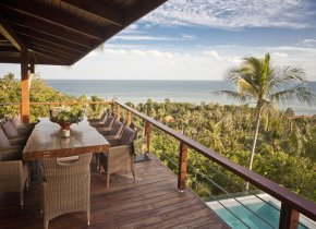 Luxury 4-Bedroom Seaview Near Beach, Laem Set