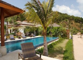 Bophut Beachfront 4-Bed Luxury Villa