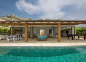 Luxury 4-Bedroom Sea Front Villa, Plai Laem