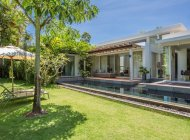 Modern 2-Bedroom Pool Villa Near Maenam Beach
