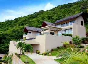 Chaweng Panoramic Seaview Villa 5-Bed For Sale