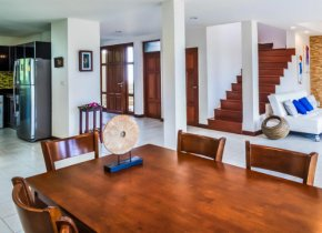 3-Bed Villa for rent in Tongson Bay