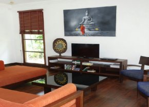 Beachfront 4 Bedroom Villa for rent