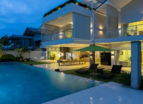 Elegant 5 bedroom sea view villa with private pool for sale in Ban Thai