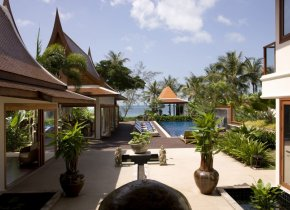 Beachfront Villa 5-Bedrooms on Luxury Estate, Lipa Noi