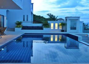 Five bedroom villa with breathtaking ocean views for sale in Samui