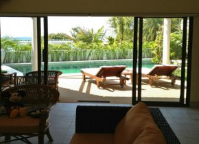 Lovely 3 Bedroom Villa with sea views for sale in Samui