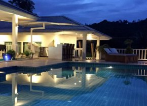 STUNNING 3-BEDROOM SEA VIEW VILLA IN BANGRAK FOR RENT