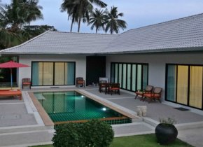 COZY 3 BEDROOM VILLA WITH A PRIVATE POOL FOR SALE IN LAMAI